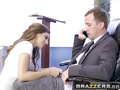 Brazzers - Big Tits at School - Scena do egzaminu Make-Up Starr