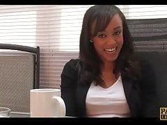 21 Jahre alte Alyssa Divine Interview