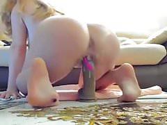 duże cycki erotyczna blondynka pieprzy jej wibrator