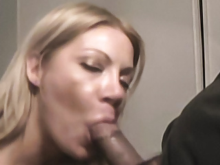 Amateur Blondes Hardcore video: Cute blonde films herself sucking her boyfriend