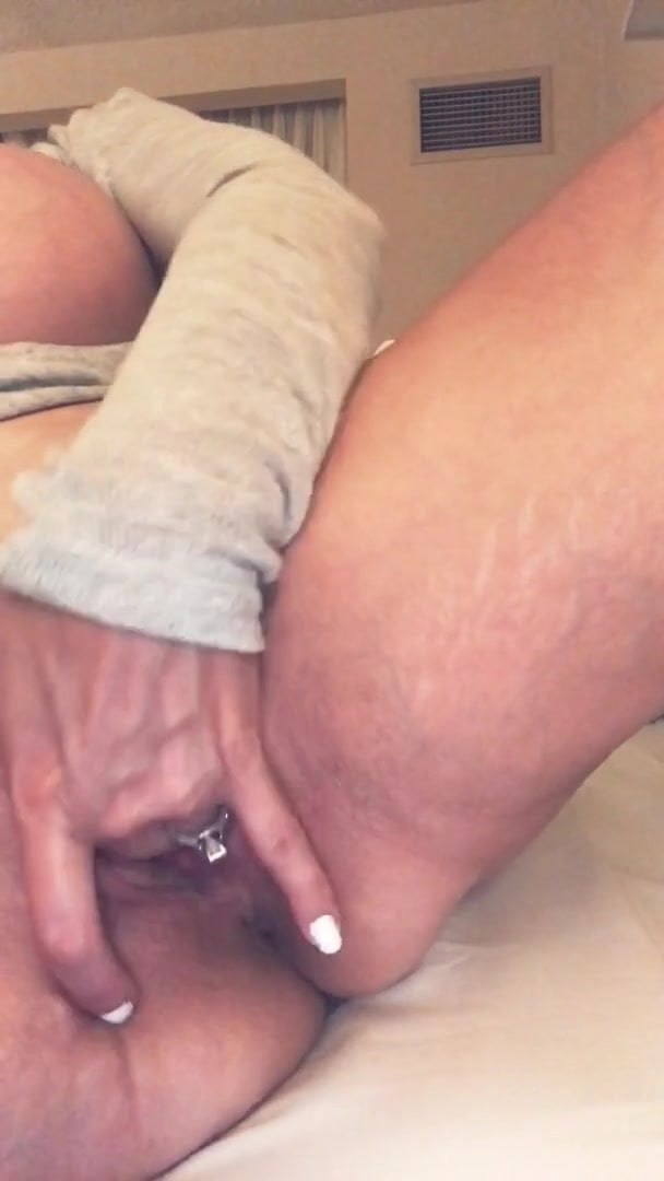 Brittany Elizabeth Fingering Her Pussy
