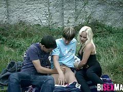 Blonde Hottie beobachten bisexuelle Dreier