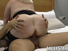 LACEYSTARR - Hooker GILF creampied par un client chanceux