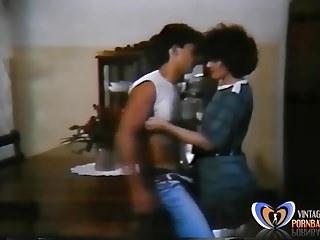 Vintage Brazilian video: Sexo em Festa 1986 Brazilian Vintage Porn Movie Teaser