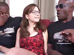 Busty Brunette Marian DP von BBC und Sperma im Mund