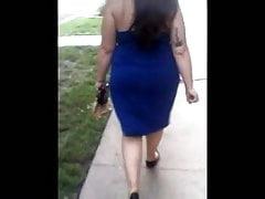 PAWG en robe bleue