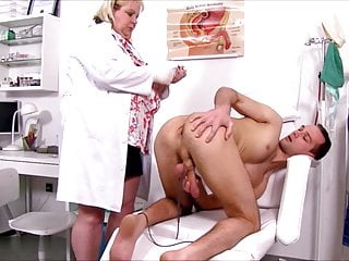 Fingering Blowjob Mature vid: Fat Old Whore June Kelly fingered asshole by young man