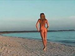 micro bikini 02