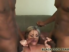 Mi vagina va a ser golpeada por dos tipos negros