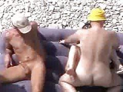 Giochi di coppia in spiaggia