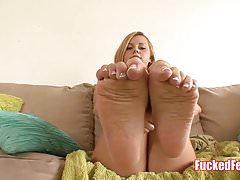 La ragazza brasiliana Jessie Rogers ottiene i piedi scopati!