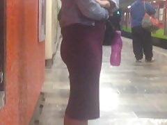 Sexy culo adolescente in vestito stretto, culito