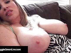 Big Titty Babe Maggie Green bekommt ihre Fotze vollgestopft!
