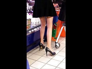 #32 Milf with sexy legs in stockings and high heels
