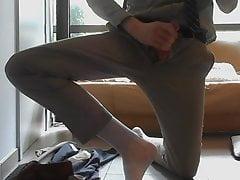 Calze bianche in TNT + scarpe scamosciate marroni e abito marrone chiaro, finitura GRANDE