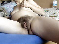 Meine haarige schwangere Frau masturbiert bis zum Orgasmus