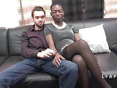 Casting Amateur Paar mit einem schönen Schwarzen