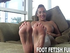 Pozwól, że pokażę ci moje idealne stopy