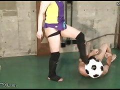 Technika zapaśnicza i piłka nożna Slave