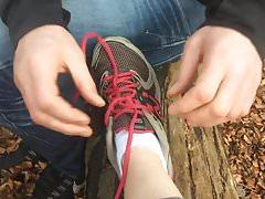 Nieznajomy podziwiając moje stopy