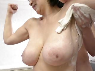 Japanese Big Tits Mom video: Japanese big titted mom
