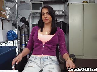 Amateur casting slut bounces booty on bbc