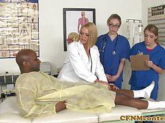 CFNM-Krankenschwestern haben eine hardcore Orgie im Krankenhauszimmer
