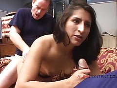 MILF in sesso anale