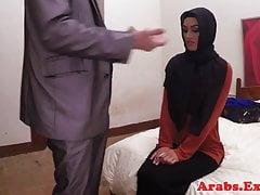 Arabska habiba pieprzyła się jak dziwka za gotówkę