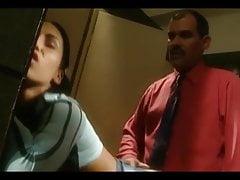 Nauczyciel i uczeń w pokoju dla palących