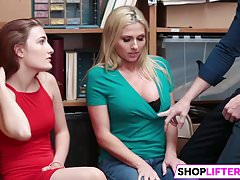 Śliczne Cuties Get Banged For Shoplifting