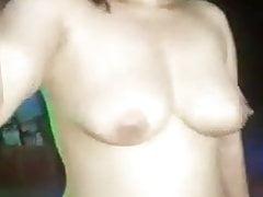 azjatycki striptizerka tańczy