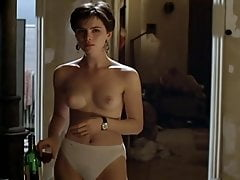 Kate Beckinsale - scènes de nu nues de Uncovered (1994)