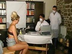 chez le gyneco pour une jolie MILF francaise