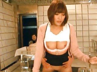 Jap節目主持人在現場表演期間性交18 43