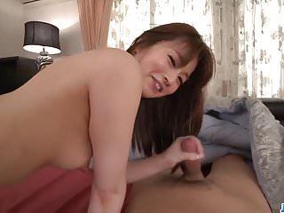 在69avs com与Ayaka More粉碎业余束缚