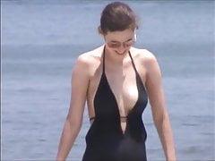 deve vedere jiggly beach tits 63, capezzoli inclusi