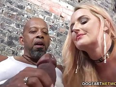 Harmoni Kalifornia Takes A Big Black Cock In Front Of A Cuck
