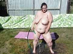 moglie bbw che lava di babyoil # 2