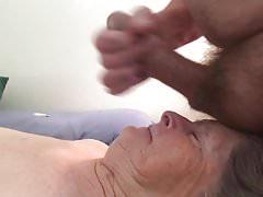 Babička je zábavná obličej
