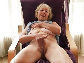 video: Amateur grandma having a real orgasm