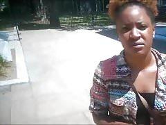 Kenya Williams ongles noirs