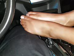 Czarny footjob w samochodzie patrolowym pt 1