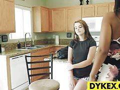 Karlie Brooks et Luzbel, deux lesbiennes
