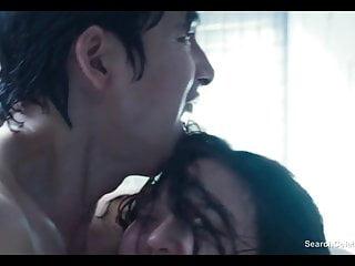 所以Young Park和Esom裸体Scarlet Innocence
