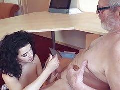 Stara i młoda kompilacja wytrysków Seks oralny nastolatków
