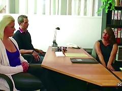 Deutsche MILF in echten 3some weiblichen Casting mit jungen Paaren