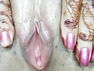 Fingering Indian Milf video: Indian newly married wife pussy played by hubby