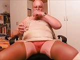 german sissy-faggot enjoy his pee