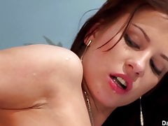 Probuzení svého muže pro těžké sexuální zasedání